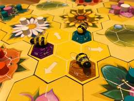花とミツバチの画像