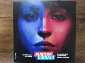 ヨーロッパ・ディバイデッド(Europe Divided)